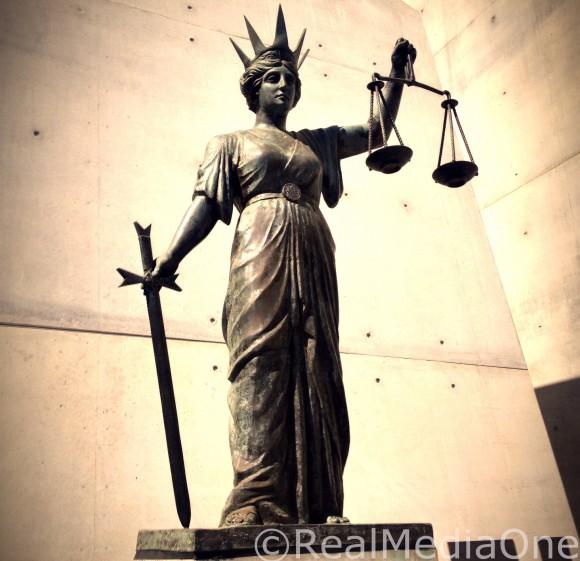 Justicestatue