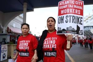 Workers on strike at Trump Taj Mahal Atlantic City. Source: facebook.com/UNITEHERELocal54/
